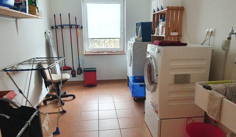 Zimmer (Hauswirtschaftsraum)